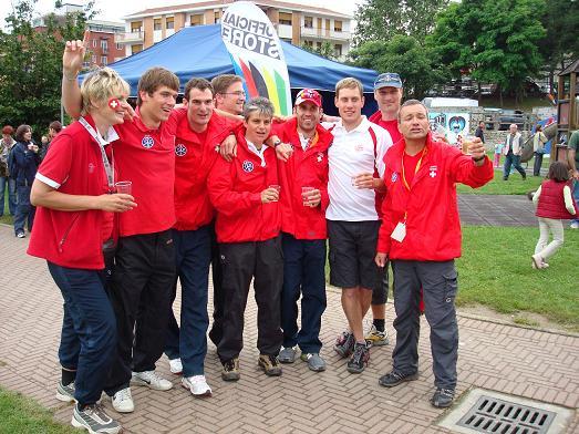 Die Schweizer feiern den WM-Titel von Sabine
